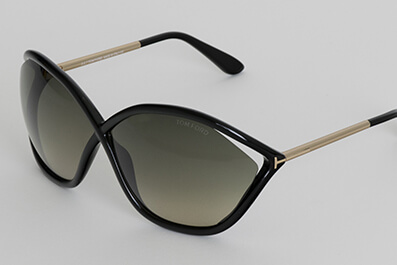Tom Ford: chic sunglasses for effortless appeal