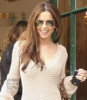 Cheryl Cole wearing Tom Ford Hunter Aviator sunglasses