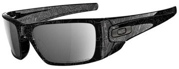 Oakley Fuel Cell Svart & Grå Historisk Text OO9096-07 Polariserade